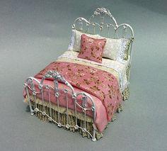 ENGLISH GARDEN BED