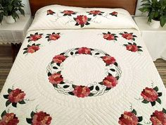 Rose Wreath Quilt -- exquisite made with care Amish Quilts from Lancaster (hs3521)