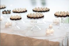 love this display for cupcakes