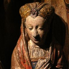 Detail of Ursula and companions, sculpture by an anonymous master, the so-called Meester van de Utrechtse Stenen Vrouwenkop, 1530, Utrecht, Museum Catharijneconvent.