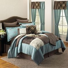 WANT! This is the20-Pc. Brittany Embellished Comforter Set With Throw image