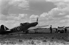 Not originally published in LIFE. Scene during the Battle of Britain, RAF Fighter Command airfield, Navy Aircraft, Aircraft Photos, Ww2 Aircraft, Fighter Aircraft, Fighter Pilot, Fighter Jets, Battle Of Britain, Royal Air Force, War Machine