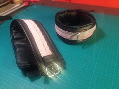 Leder Halsband mit alt rosa spitze, gepolstert mit D-ring by fsewing Fashion, Pink, Lace, Leather, Moda, Fashion Styles, Fashion Illustrations