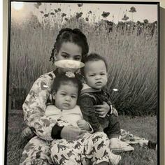 Blue Ivy And Twin Siblings, Children Of Singer Beyonce In One Adorable Photo {See Pic} First, a photo of Beyonce and Jay Z's twins, Sir . Beyonce Kids, Beyonce Twin, Queen Bee Beyonce, Beyonce Family, Beyonce Knowles Carter, Beyonce Style, Jay Z Solange, Carter Family, Funny Memes