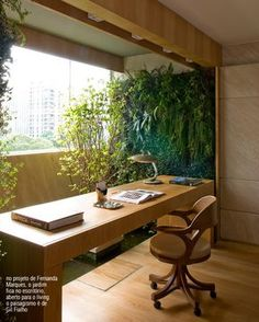 Jardim vertical no home office