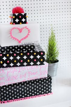 HOLIDAY DIY | Gift Wrapping | I SPY DIY