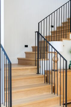Wrought iron railing - more pictures on Home Bunch blog