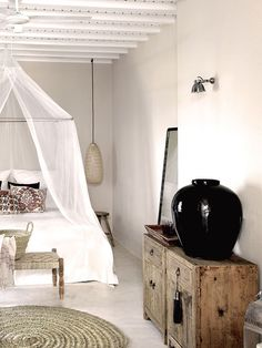 San Giorgio Mykonos Hotel in Mykonos, Greece is a luxury design hotel. San Giorgio Mykonos Hotel, between Paradise & Paraga Beach, offers stylish rooms. Romantic Bedroom Design, Beautiful Bedrooms, Interior, Home Decor, House Interior, White Interior, Modern Bedroom, Modern Bedroom Decor, Shabby Chic Bedrooms