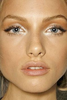 Make those eyes pop with a silver shadow! Try RMS Eye Polish in Lunar and Living Luminizer for a bright inner corner
