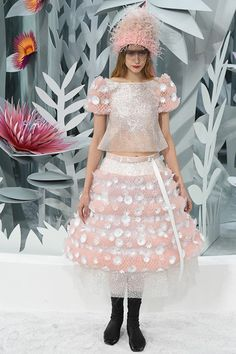 See the Chanel spring/summer 2015 couture show