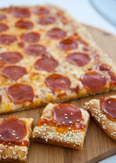 It's time for Friday night pizza again! And today we're going with the good old stand-by, plain pepperoni and cheese. But not just any ordinary pepperoni and ch Pepperoni Recipes, Pizza Recipes, Pork Recipes, Appetizer Recipes, Snack Recipes, Dinner Recipes, Appetizers, Snacks, Pizza