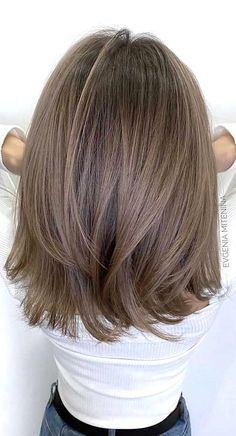Thinking about switching things up this year It just might be the perfect time to try out a new shade for your hair. New... Brown Hair Balayage, Blonde Hair With Highlights, Brown Blonde Hair, Light Brown Hair, Cool Brown Hair, Honey Balayage, Peekaboo Highlights, Medium Brown Hair, Medium Layered Hair