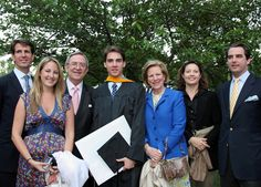 Greek Royal Family:   Christmas Card Photos - Royal Greek Family 2008 l-r Prince Pavlos, Princess Theodora, King Constantine, Prince Phillipos, Queen Anne Marie, Princess Alexia, Prince Nikolaus (this was at the graduation of Phillipos from Georgetown University)