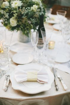 Stunning gold, sparkle and love wedding in Sonoma, California #trueemeraldstyling #winery #wedding #gold #sparkles #glitter