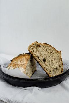 Paso a paso para hacer pan de masa madre intregarl y semillas de ajonjolí.  #masamadre #panconmasamadre #pancasero #panartesanal #sourdough #sourdoughbread #ajonjoli #panintegral Pan Integral, Banana Bread, Desserts, Food, Sourdough Bread, Crusts, Artisan Bread, Breads, Vegans