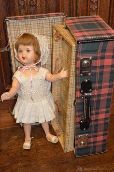 mariquita perez de celuloide finales de los 50 con maleta original - Foto 1 Antique Dolls, Vintage Dolls, Girls Dresses, Flower Girl Dresses, Toys, Wedding Dresses, Fashion, Vintage Toys, Antique Toys