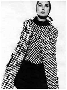 Tania Mallett in black and white checked coat and sleeveless dress by Polly Peck, photo by John French, Nov. Sixties Fashion, Mod Fashion, Vintage Fashion, Purple Fashion, Classic Fashion, Gothic Fashion, Monochrome Fashion, Black And White Design, Black White