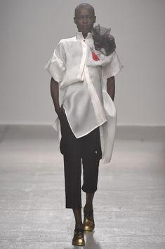 Aganovich RTW Spring 2015 - Paris Fashion Week