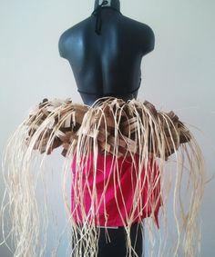 Tahitian Costumes, Tahitian Dance, Polynesian Culture, Pageants, Tween Fashion, French Polynesia, Hula, Costume Ideas, Hawaiian