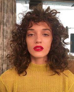 "55 Likes, 1 Comments - Marina Eskenazi (@marinaeskenazi_) on Instagram: ""#bts #back #editorial #she @valentinaferrariok #makeup @jazmincalcarami @jugirando using…"""