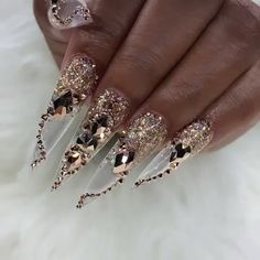 Glass, Glitter and Crystals in one set. Definitely a statement set for a special occasion, party, prom or holiday. Wear this set and you'll be the centre of attention that's for sure. Bling Acrylic Nails, Glam Nails, Best Acrylic Nails, Rhinestone Nails, Fancy Nails, Bling Nails, Coffin Nails, Stiletto Nails Glitter, Hair And Nails