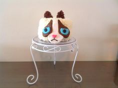 Grumpy cat cake!  Fête d'amies de Sarah-Ève 10 ans! Grumpy Cat Cakes, Creations, Cats, Gatos, Kitty, Cat, Cats And Kittens, Kittens