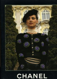 #Chanel Fall 1988……tres chic