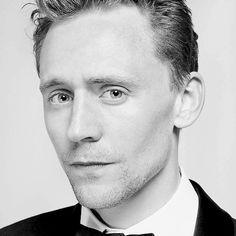 Tom Hiddleston. Via http://hiddleston-daily.tumblr.com/post/121125599485