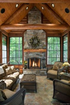 60 STUNNING LOG CABIN HOMES FIREPLACE DESIGN IDEAS 60 Nothing quite matches the charm of a rustic log cabin with a roaring fireplace in the winter. It arouses feelings of warmth, nostalgia and peace, especially after a long day in the cold. Home Fireplace, Living Room With Fireplace, Fireplace Design, Fireplace Ideas, Living Rooms, Cottage Fireplace, Living Area, Log Home Interiors, Hotel Interiors