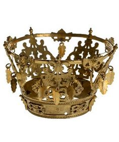 In Norway most brides wore some kind of special headdress. Metal Bridal crowns were mainly used in the west of Norway. These crowns are full of symbolism. The crown itself recalls the crown of the Virgin, & represents purity or virginity.