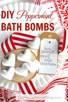 Homemade Peppermint Bath Bombs with Essential Oils: these bath bombs are SO easy to make and they smell amazing; great DIY gift idea too!