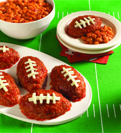 Delicious mini meatloaf footballs are super easy to make. And super cute.
