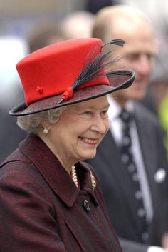 Queen Elizabeth, 2004