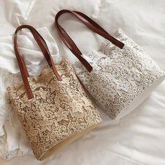 Lace Bag, Potli Bags, Diy Bags Purses, Diy Handbag, Jute Bags, Patchwork Bags, Fabric Bags, Card Wallet, Creations