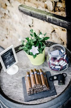 9 ideas for your wedding wallpaper 9 Ideen für Eure Hochzeitspapeterie Cigars as party favors Simple Church Wedding, Rustic Wedding, Cigar Bar Wedding, Cigar Party, Wedding Tags, Diy Wedding, Wedding Favors, Wedding Reception, Wedding Wallpaper