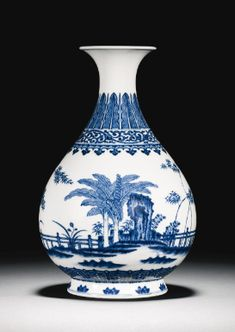 A blues and white vase, Yuhuchunping Qianlong seal mark and period- Sotheby's. Blue And White Vase, White Vases, Porcelain Ceramics, White Ceramics, Blue Pottery, Chinese Ceramics, Himmelblau, Objet D'art, Chinese Art