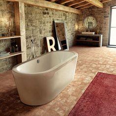 #Reinassance di @glass1989 è una #vasca #freestanding dal gusto moderno che riprende le forme ed il #design del passato Abbandonati e lasciati avvolgere dalle sur forme sinuose ed accoglienti, sarà un vero piacere! www.gasparinionline.it #italiandesign #fineliving #bathtub #homestyle #relax #arredobagno #vascadabagno #picoftheday #interiorstyle