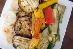 Gegrilde groenten vormen een makkelijk bijgerecht en de perfecte basis van een stevige lunch. Deze gegrilde groenten met balsamico vind ik het lekkerst!