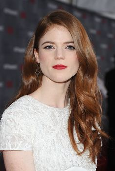 mooi rood is niet lelijk ♥ Red hair - Rose Leslie Rose Leslie, Undercut Hairstyles, Cool Hairstyles, Red Hair Don't Care, Flawless Beauty, Beautiful Redhead, Beautiful People, Beautiful Women, British Actresses