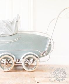 That's a Dussie! 1940 baby buggy.