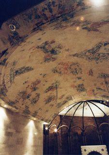 Imitando antiguas pinturas murales en Capilla privada de Vallecas