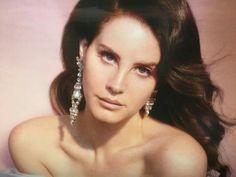 ナオミ♡ニコラ — lanas-lolita: Lana Del Rey photographed by. Dream Pop, Trip Hop, Indie Pop, Elizabeth Woolridge Grant, Dazed Magazine, Brooklyn Baby, Lust For Life, Beauty Queens, Grunge Fashion