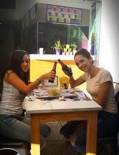 Acaban de llegar los #nuevos cubitos #EdicionEspecial #KungFu y ya tenemos imágenes de dos #PadthaiAddicts dando cuenta de ellos... Todavía nos queda un nuevo modelo para completar la colección, mientras tanto, #HaveFun amig@s ¡A divertirse!  #ParaFliparenColores #FlipaenColores #Amarillo #PadthaiFans #FoodPorn #igers #IgersFood #Food #StreetFood #ComidaCallejera #disfrutar #fun #food #foodstagram #gastrofood #gastronomia #comer #HaveFun #MuyCercadeTi #HazteunThai #HazteunPadThai #ComidaThai…