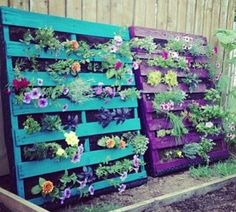 DIY pallet vertical garden is great achievement for garden ornaments with vertical alignment of plants on through pallet boards. The pallet vertical gardens are Pallet Exterior, Pallet Furniture Plans, Furniture Ideas, Outdoor Furniture, Upcycled Furniture, Modern Furniture, Painted Garden Furniture, Furniture Nyc, Furniture Dolly