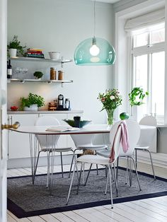 kitchen - love the lamp and the table legs