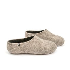 Dual Natural Black - a pair of Wooppers felted woolen slippers