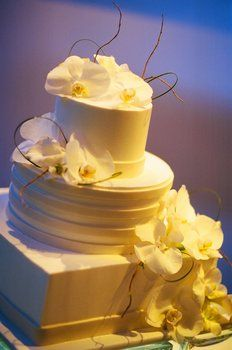 Shall Always Be Fond Of Yellow...isn't this especially beautiful...from projectweddingcom