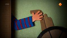Een schooltv beeldbank filmpje over een tweeling waarvan 1 broertje Downsyndroom heeft.