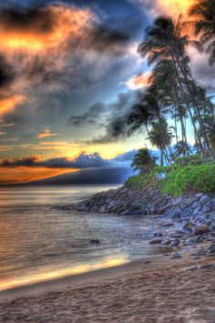 breathtakingdestinations:  Napili Bay - Maui - Hawaii - USA (von nikonkell Kelly Wade Photography)