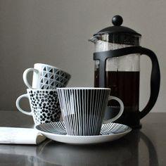Kopp med fat Tom 99:-/st Kaffepress för 8 koppar 199:- My Design, House Design, Home Catalogue, Toms, Coffee, Tableware, Instagram Posts, Kaffee, Dinnerware